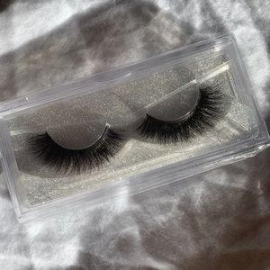 Eyelashes (in the style Butterfly)